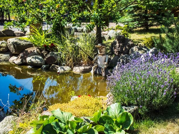 Sommergarten mit Teich